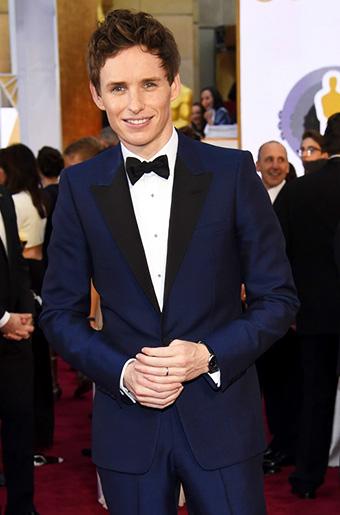 Eddie Redmayne in Navy Blue at the 2015 Oscars!