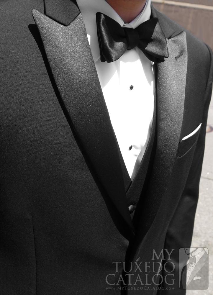Close up of Lapels on Jackson Slim Fit Tuxedo by Ike Behar