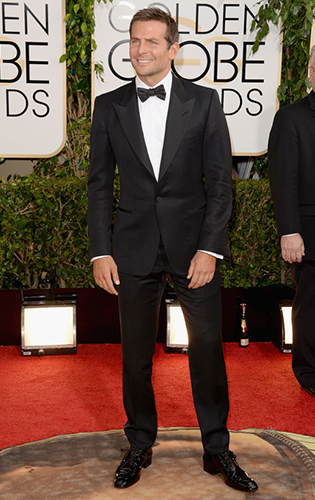 Bradley Cooper Wearing a Well Fitted Black Tie Tuxedo at the Golden Globes!