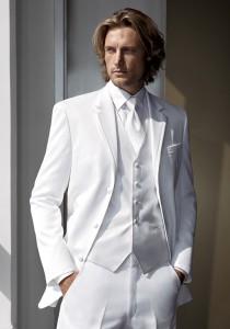 Calvin Klein White 'Gibson' Tuxedo