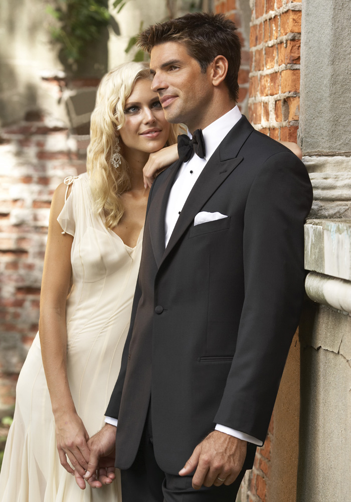 The Most Popular Prom Tuxedos for 2012!