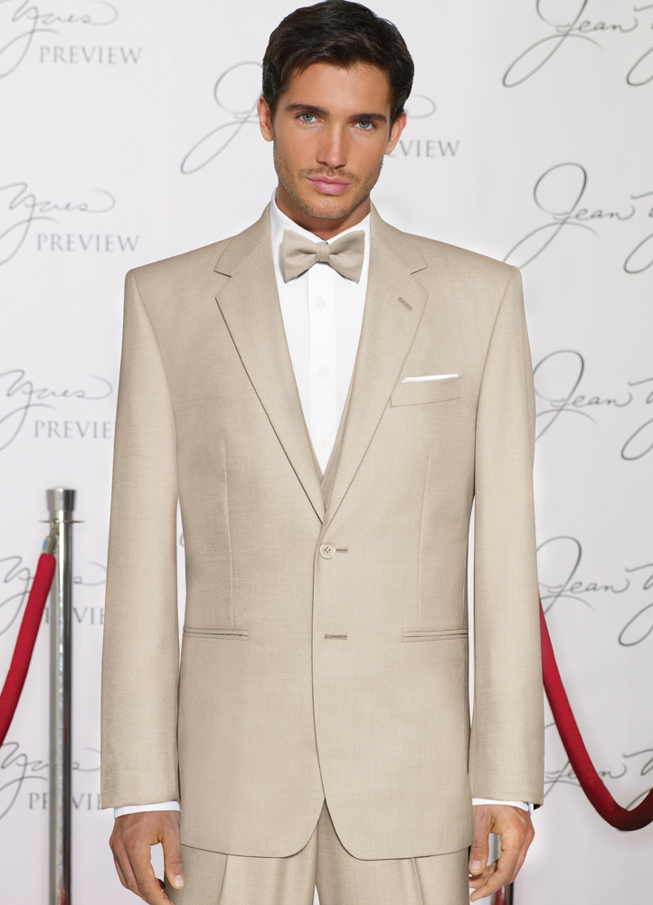 2013 Wedding Guide to Tuxedos and Suits!