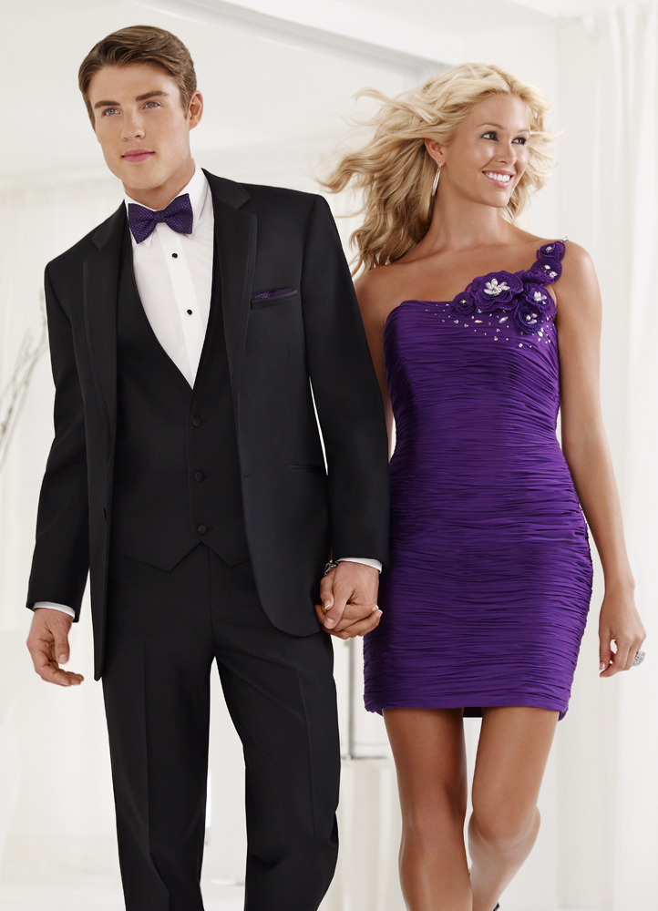 Tuxedo Trends: The Comeback of Bow Ties for Proms!