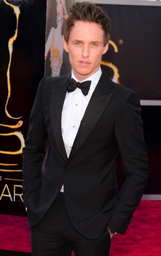Eddie Redmayne in Black Tie at the 2013 Academy Awards!