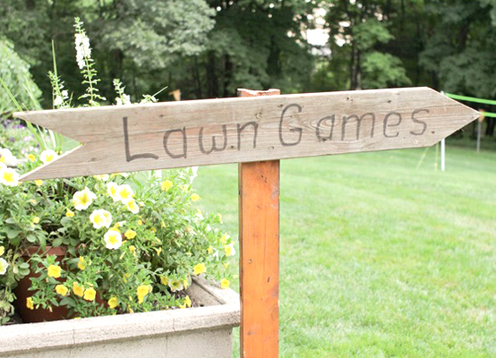 Garden Weddings: Lawn Games Sign