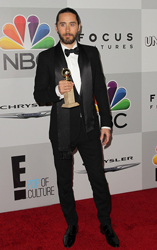 Jared Leto wearing Black Tie with a satin formal scarf at the Golden Globes!