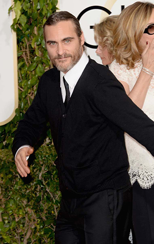 Joaquin Phoenix forgot to wear a tuxedo to the Golden Globes