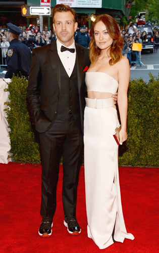 Jason Sueikis in a Lustrous Tuxedo and Tennis Shoes at the 2013 Met Gala