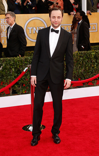 Vincent Kartheiser in a Black Shawl Tuxedo for the 2013 SAG Awards.