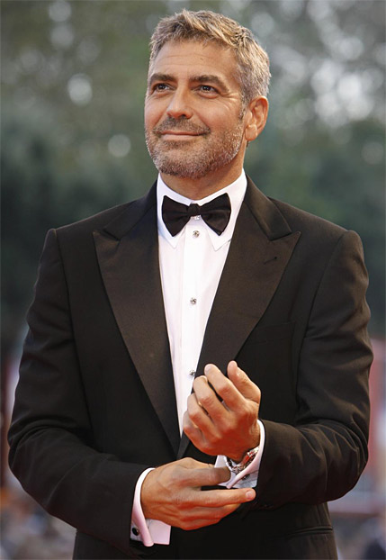 21 pictures of george clooney in a tuxedo
